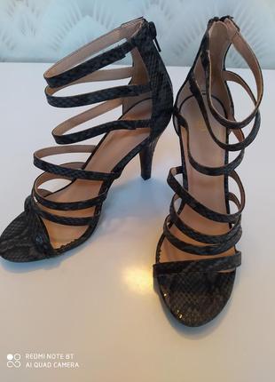 Босоножки (сандали, туфли)  esmara германия