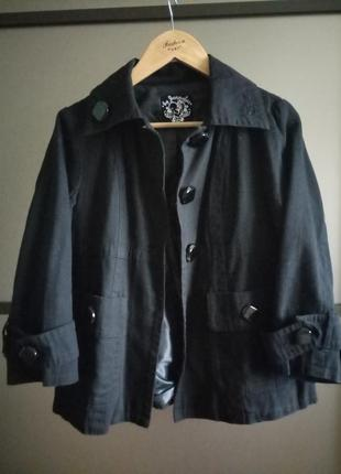 Короткое пальто,пиджак jennyfer