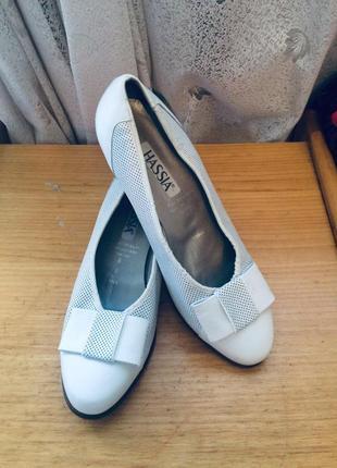Белые туфли с перфорацией, натуральная кожа,hassia,австрия