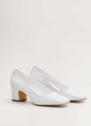 Шикарные белые базовые туфли от mango.