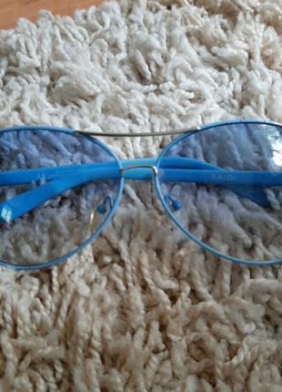 Имиджевые очки с голубыми линзами