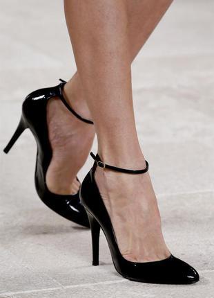 Туфли лодочки лаковая кожа 100 %