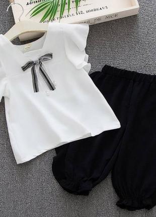 Літній костюм для дівчинки білий