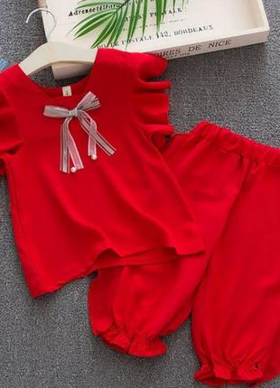 Літній костюм для дівчинки червоний