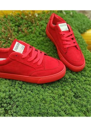 Классные красные кеды 😍😍😍
