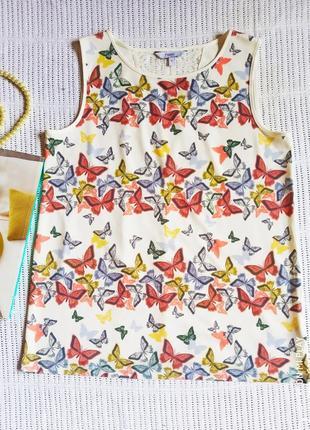 Шикарная блуза с бабочками и кружевом на спине