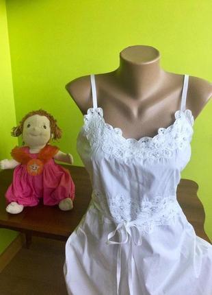 Белое  платье-сарафан на бретелях с кружевной отделкой  topshop  100% хлопок