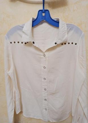 Базовая рубашка с клепками
