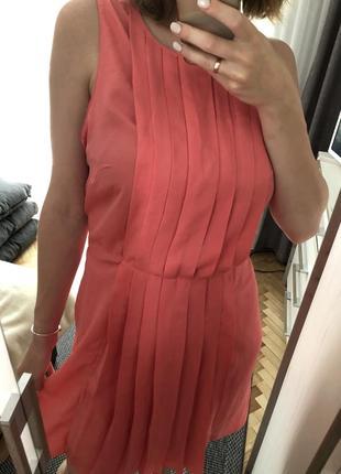 Яскрава сукня 💖