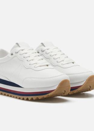Белые кроссовки 38р испания