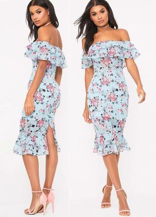 Платье prettylittlething с оборками и открытыми плечами  с asos
