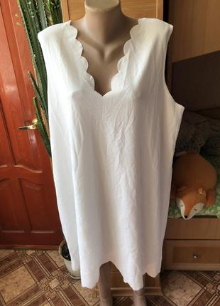 Лёгкое белое платье