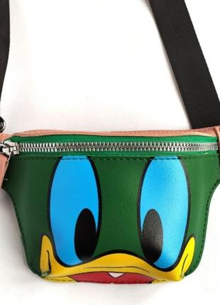 """Поясная сумка-бананка """"duck tales"""" зеленая  с принтом уточки с мультика"""