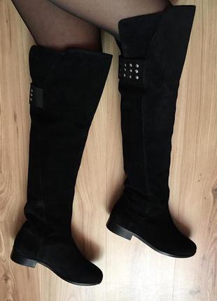 Высокие шикарные кожаные замшевые сапоги ботфорты  с заклепками asos kimber