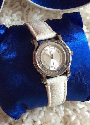 Купить часы из орифлейм часы rochas ремешок купить