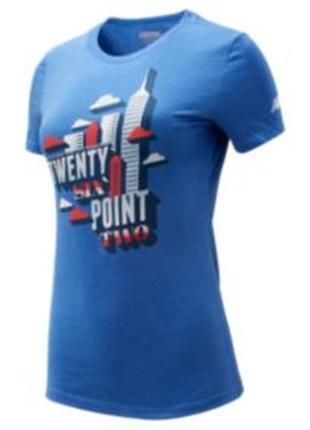 Яркая голубая футболка с аппликацией new balance (оригинал)