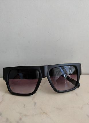 Винтажные солнцезащитные очки versace ( италия)