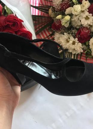Туфли / кожаные туфли/ туфли на невысоком каблуке/ туфли с ремешками .