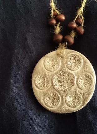 Кулон из керамической глины, стиль бохо