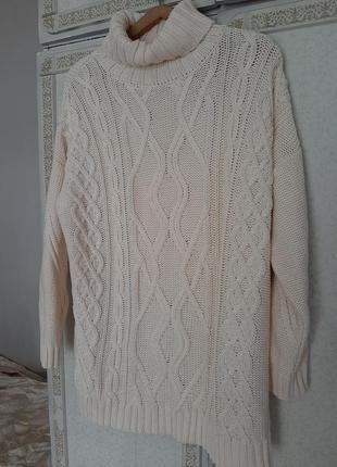 Приятный свитер оверсайз