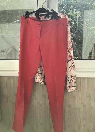 Яркие штаны на лето