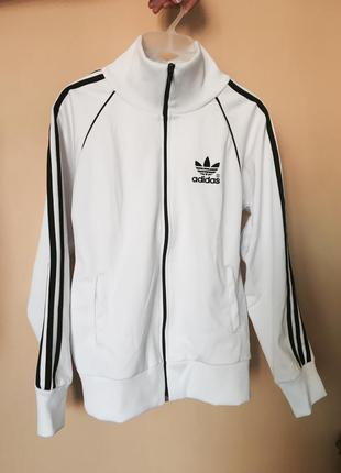 Бомбер куртка adidas
