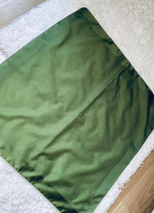Зелёный платок/косынка  замеры:67*67