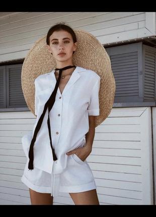 Белый костюм из льна, шорты   рубашка