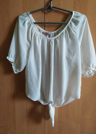 Белая блуза на завязке