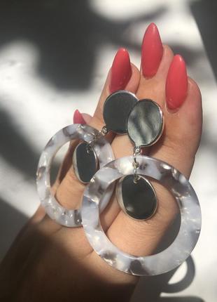 Серьги-кольца метал   пластмасса