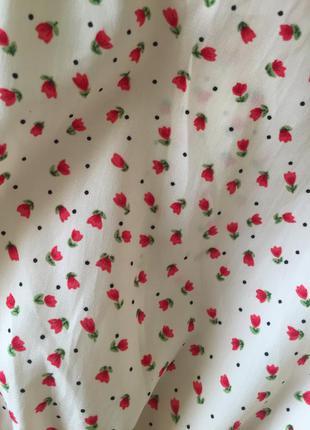 Нежное платье в розочку zara