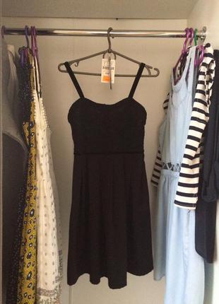 Короткое черное платье stradivarius