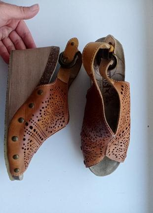 Комфортные босоножки  pikolinos сандалии на танкетке