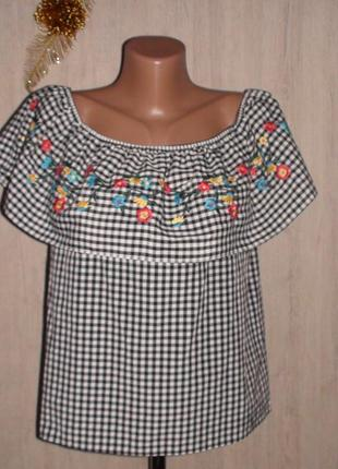 Блузка с вышивкой primark.