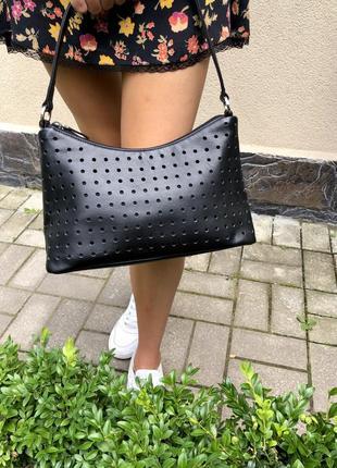 Маленькая,чёрная сумка с перфорацией , ридикюль,кожа 100%