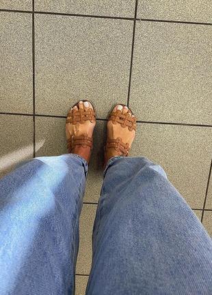 Красивые сандалии
