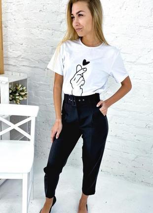 Трендовые брюки с высокой талией и поясом