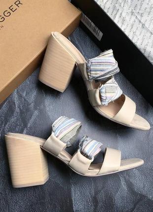Kelsi dagger brooklyn кожаные бежевые босоножки на широком каблуке бренд из сша