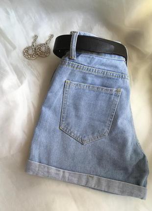 Джинсовые мом шорты