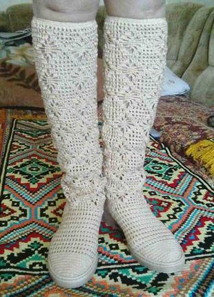 Бежевые летние вязаные женские сапожки,  ручная работа hand made.