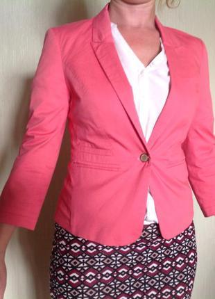Пиджак жакет bershka розовый