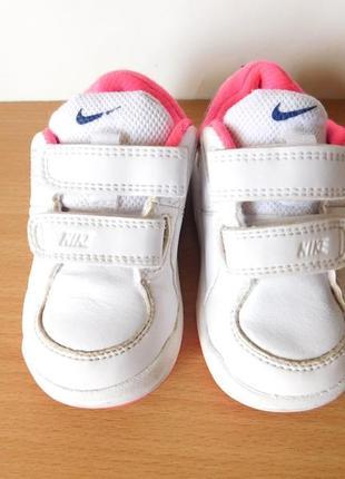 Классные белые кроссовки nike 21 р. стелька 13 см