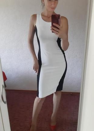 Платье футляр next