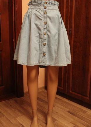 Трендовая фирменная юбка fb sister джинсовая, с пуговицами
