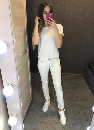 Тонкие летние джинсы брюки штаны узкачи ускачи