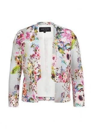 Невероятно красивые пиджак из текстурной ткани в цветочный принт.