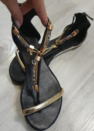 Шикарні босоніжки nila&nila, італія,шкіра.розмір 36