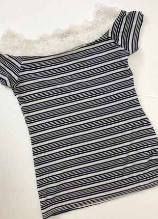 Майка-блузка з кружевом