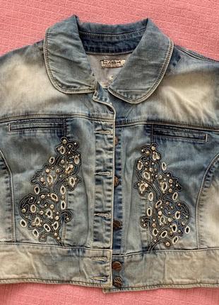 Джинсовый пиджак джинсовка жилетка zara джинсовая жилетка балерошка накидка