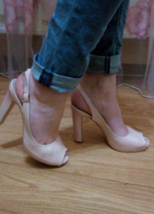 Туфли цвета пудры